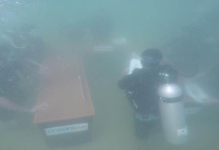 underwater-conference8